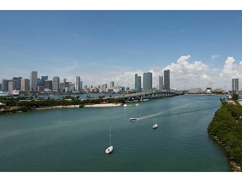 This 1 Bed/1.5 Bath 2-Level Unit, Has Been Elegantly Updated With Gorgeous Kitchen And Contemporary Finishes. Open Floor Plan, Two Amazing Oversized Terraces Offer Spectacular 180-Degree Sweeping Views Of Downtown, Port Of Miami, Miami Beach, The Venetian Islands & Biscayne Bay. The Building Has Been Recently Renovated With 2 Pools, Jacuzzi, Tennis Courts, Gym, Sauna And Social Room. Unit Offered Furnished.