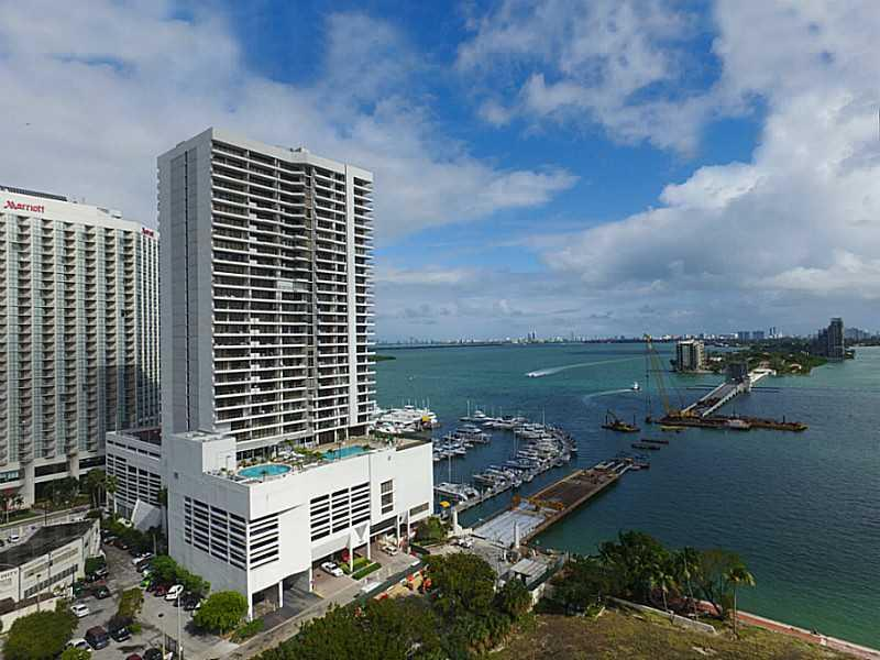 The Best Line In Venetia! Spectacular Corner Unit With Direct Bay And Ocean Views From Wrap Around Balcony On The 32Nd Floor. Marble Floors And Laminate Bedrooms, Remodeled Kitchen. Accordion Shutters Throughout. (2) Covered Side By Side Parking Spaces. A Mmenities Include Pool, Gym, Restaurant, Marina! Bike To Miami Beach, Just Minutes From Everywhere!