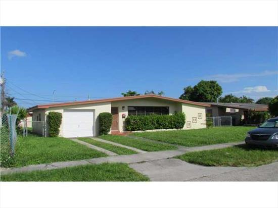 Great Westchester Location For This 3Bdrm/2Bath Home With Family Room And Garage. Nice Floorplan, Fully Tiled For Easy Maintenance. Property Is In Good But Original Condition. Large Yard With Ample Room For Expansion. Missing Central A/C System. Cash Only Contracts.