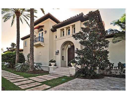 This Spectacular Mediterranean Estate Designed By Ramon Pacheco Sits On 140' Of Water W/No Bridges To Bay & Has A South East Exposure On A Prime Cul-De-Sac Location. Neutral Marble Throughout & Hardwood Floors In Bedrooms. Large Gourmet Kitchen W/Stainles S Steel Appliances. Full Generator, Basketball Court, & Summer Kitchen. Palladian Style W/Arched Cloister Terrace Make Outdoor Wonderful For Entertaining. Association In Old Cutler Bay Is Not Mandatory & The Community Has A Guard House W/Roaming Patrol.