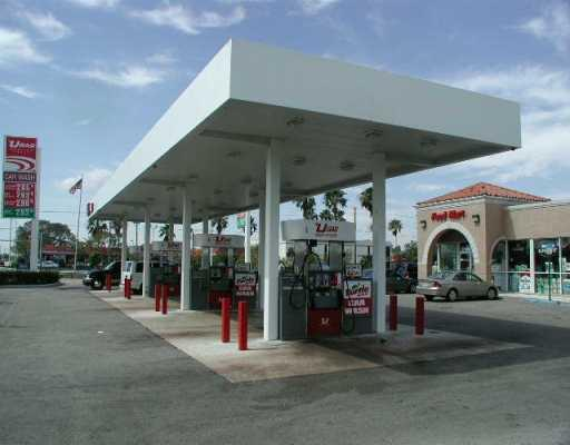 U-Gas Station, C-Store & C/W In Hialeah (Miami) Very Profitable Results * Diesel & Gas Sales 197K Gls/Mo At 0.16 Industry Avg, But With Higher Provable Actual Margins * 4 Pumps Double Side W/Card Readers * 3 Tanks Of 10, 000 Gls Each * C-Store And Deli Exc Eed $54, 000/Month * Car Wash $3, 000/Mo * Valuable Lot Of 22, 053 Sqf * Building 4, 628 Sqf * If You Or Your Client Are Looking For A Successful Station, This Is The One * Buyer'S Need To Pre-Qualify