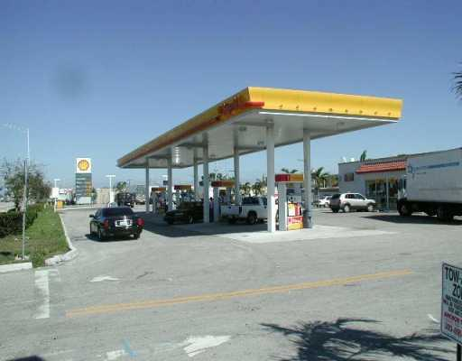 Superb Shell Golden Glades In North Miami-Dade With Intense Traffic*Realistic Numbers And Results*Diesel & Gasoline 150K Plus Gallons Per Month (90K + 60K) At 0.17 & 0.16 Average Pool Margin*6 Double Pumps W/Card Readrs + 2 Diesel *Fiberglass Tanks*Larges Tore And Deli Over 46K/Month*Noi $314, 000/Year Growth Trend*Lot 40, 577 Sf*Adjacent Land 30, 000 Sqf For Sale At Extra Price For Many Uses*Inventories Extra*Absentee Owner*Must Accept Registration To Receive Details*When Visiting, Please Exercise