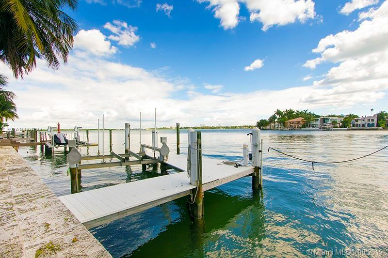 Art Deco Home, On The Luxurious Venetian Islands, In Reasonably Good Condition. House Has Been Kept Up, But Is Ready For A Complete Renovation. Great Location With Wide Bay Views To The East And 90 Feet Of Water Frontage. Easy To Show.