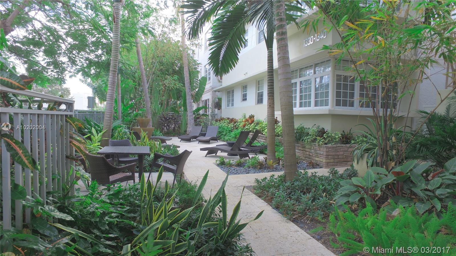 Awesome Apartment Located In The Heart Of South Beach The Retreat, Wood Floors, Central A/C & Stainless Steel Appliances, Granite Counters, Freshly Painted. Close To Shopping Stores. Quiet Building, Easy To Show. Great Deal And Easy Motivated.