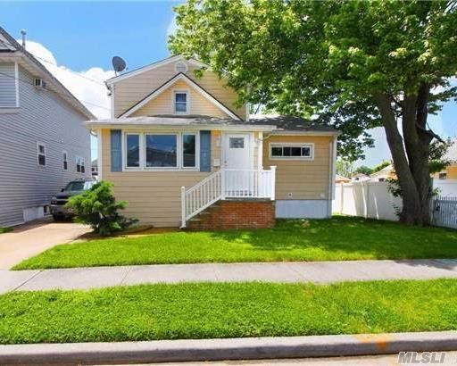 Beautifully Renovated With Brand New Kitchen And Bathrooms, Quiet Block Baldwin Sd # 10 Great For A Family!