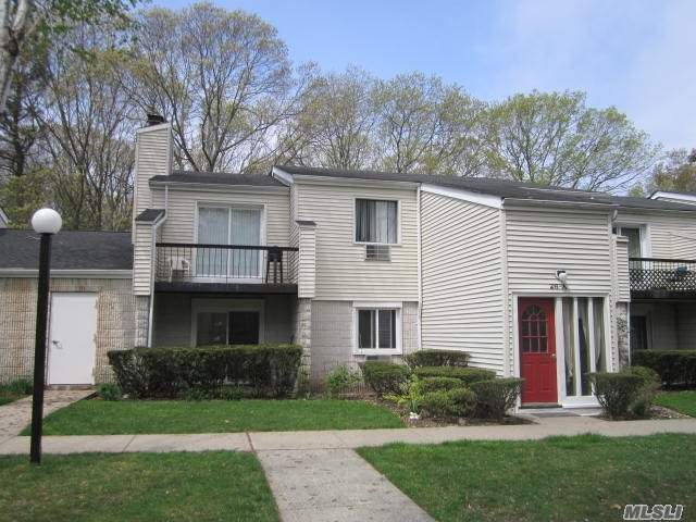 Nice Upper 2 Bedroom In Gated Community, Large Lr With Sliders To Balcony, Washer/Dryer In Unit, Many Closets, Large Master Br W/Double Closets, Updated Bathroom, Pet Friendly, Clubhouse, Pool, Tennis, Close To Parkways & Lirr
