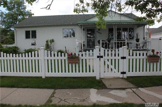 Mint Ranch On Corner Property. Newly Renovated, Hardwood Floors, New Kitchen, New Bath W Skylites, Cac, Hi Hats. 2 Blocks To Lirr & School #8. Excellent Starter Home - Move Right In. Flood Ins. Approx. $2500
