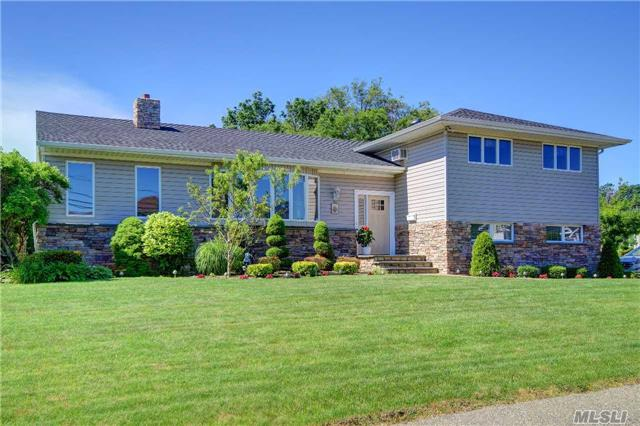 Immaculate Large Family Home In Harbour Green Estates. The Updated Kit. Has Cherry Cabinets, Granite Counters, Ss Appl. & Leads To A Large Covered Deck. Dr W/ French Doors To Den W/ Wood Burning Stove. Main Bath And Master Baths Are Updated. Beautifully Finished Bsmt. Possible M/D Or Huge Additional Fam Rm W/ Bth & Access To Small Deck. Roof Is 5 Yrs. Zone X, Low Taxes