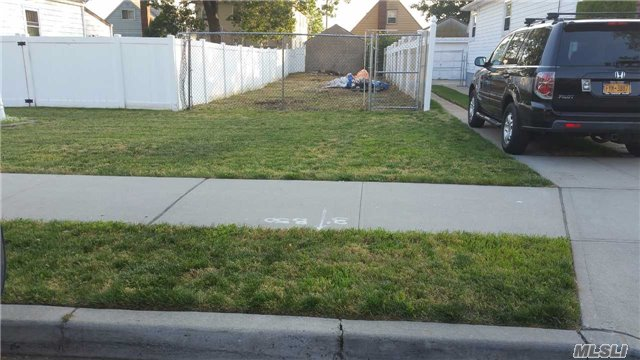 Clear Vacant 20 X 100 Lot With R3X Zoning