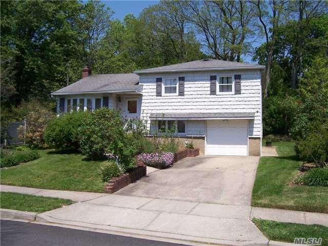 Lenox Hills Split. Inc Village/ Maple Kit/Tiled Floor/Granite Counters. Ss/Appl. Arct/Roof. Newer Windows Updated Heating. ** In Contract**