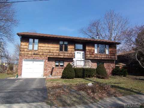 *View Virtual Tour* Private Showings Only For This Sunny And Bright Home With Hardwood Floors And In Really Clean And Nice Condition. Boasting 5 Bedrooms, 3 Full Baths, Eik And A Summer Kitchen, Lr/Dr, Den -- Lots Of House. Shows With Pride Of Ownership And Is In Move In Condition! Famed And Desirable Northport/East Northport Sd.   The Perennials Will Be Blooming Soon!!