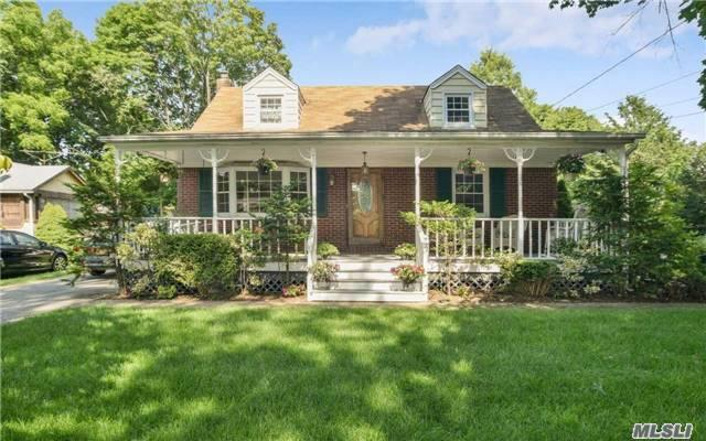 Bight And Sunny Spacious Cape With A Welcoming Front Porch. This Home Features Large Rooms And An Over Sized Family Room. Enjoy A Private Fenced In Backyard With A Screened In Porch. Close To All Shopping Including The New Walt Whitman Shoppes. Convenient Location For Commuting!
