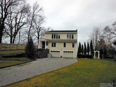No Disappointments Here! Stunning Custom Built W/Panoramic Views Of The Sound & Room For Pool. Lge Entry Hall, Granite Kit W/Ss Appl,Birch Wood Cabinetry, Radiant Heat, Crown Molding, All Rooms 'King Size', Fplce In Spacious Mstr Ste W/Sliders To Water View Deck, Spiral Staircase, 3 Sets Of Sliders Off Kit & Lge Family Rm, Abundance Of Closets, Heated Garages & More!!!