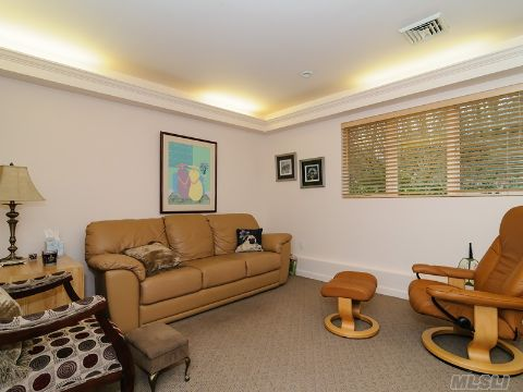 Professional Office with Separate Entrance and Waiting Room