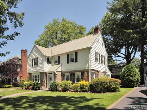 Charming Center Hall Colonial On A Tree Lined Street In The Estates Section, 3 Bedrooms, 3 Full Baths, Livingroom/Fireplace Den With Sliding Doors To Brick Patio Back Yard. Also Formal Dining Room, Eik. Home Is Large In Size And Private Inground Sprinkler System, Cac, And Alarm. A Must See!!!!!