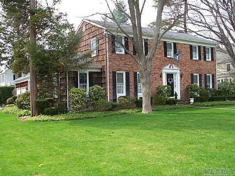 Almost 3,000 Square Feet Of Living Space! Tremendous Space In This Young Brick And Cedar Colonial, Set On A Gorgeous .35 Acre Property. Large Rooms, Amazing Flow, Potential Galore! Ready For Your Personal Touch On One Of The Premier Blocks Of The Southeast.