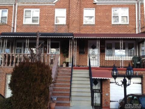 Lovely 3 Bed Rooms 2.5 Bath In Mint Condition, Poss. M/D With Proper Permits.