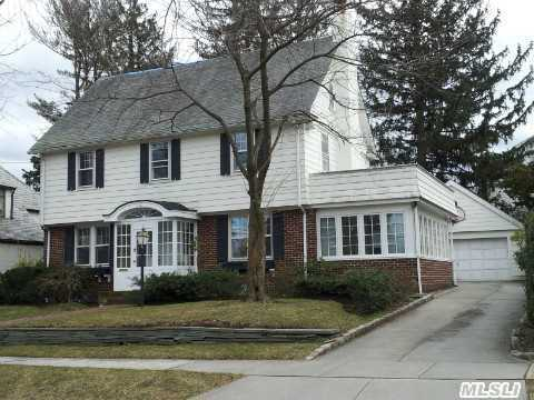 Large Center Hall Colonial In Historic Landmark,  Waterfront Comm.Swimming & Docking Previlages. Updated  Kit.&Bath,  Wood Fl., Mbr W/ Bath,  Lirr, Cac,  Septic Sewer System,  Will Change To New Roof.