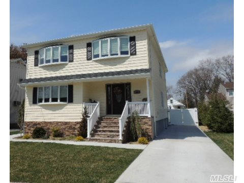 Custom Built Builder's Own, 5 Bdrm 3 Full Bath With Full Finished Basement-3 Rooms, Lots Of Closets!! On A Cul-De-Sac!!  Paver Front Porch, Stone/Siding, Igs, 3 Zone Heat And Cac, 3 Zone Cvac, Pvc Fence, Patio. Perfect Mother/Daughter W/Proper Permits. Great House!!