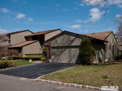 Galleria Ranch With Full Finished Basement,  Rare Find,  Conveniently Located To All Facilities And Located On A Private Prime Cul-De-Sac. One Of A Kind,  Customized Throughout!