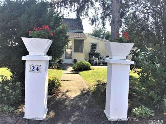 Cozy Well Maintained Beach Cottage Minutes From Sound Side Beach And Village. Spacious Living Room And Rocking Chair Porch. Updated Eat-In Kitchen. First Floor Master Bedroom. Perennial Gardens In Lovely Yard. Award Winning Locust Valley Schools! Just Bring Your Toothbrush.