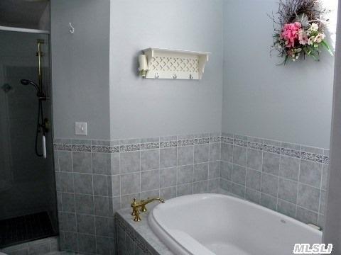 Master Bath with Oversized Soaking Tub & Shower!