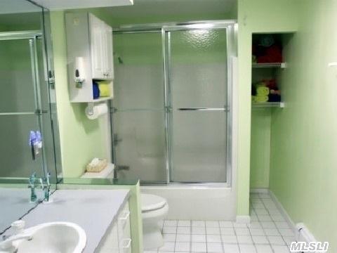 2nd Floor Ceramic  Bath