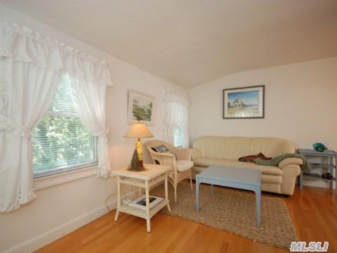 Guest Quarters Living Area