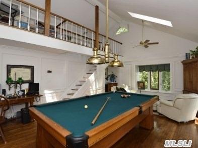 Billiard room with loft