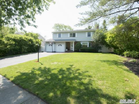 Beautiful Colonial Set On .26 Of An Acre Offers: Eik, Lr, Dr, Den W/F/P,  Mbr W/Fullbth, W/I Closet,  3 Add'l Brs, 2.5Bths, Updatesinc: Roof, Heatingsys, Baths, Cac, Cesspoola&Pool,  Hwflrs, 2Cargar, Partbsmt Inc:Laundry& Utilities& Storage,  Beautifully Landscaped Cc Fenced Yd, Igs, Igp,  Patio, Deck, Smithtown Sd#1,  Easy Show!!