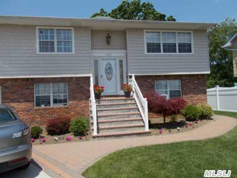 Almost All Recently Updated, Gorgeous Top Of Line Kitchen, Well Maintained, Cul-De-Sac, Vaulted Ceilings, Deck Off Kit, Brick Patio In Lovely Yard,  150 Amp,  Wood Floors, Lovely Home,  Move-Right In Poss M/D W/Permits