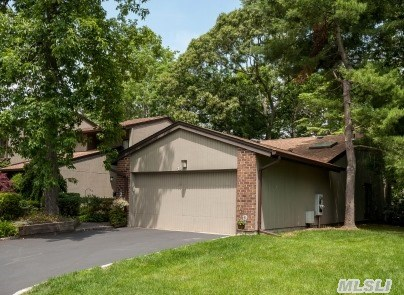 Galleria Ranch With Wood Floors, Fireplace & Skylight On A Private Cul-De-Sac In The Back Of The Community Backing A Golf Course. Great Rear Deck!