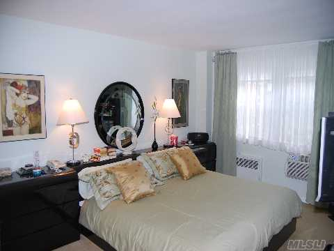 Spacious 2 Bedroom, 2 Bath, With Lr, Dr, Eik, Balcony, Pool, Laundry, Sauna. Use Of Glen Cove Golf, Beach, And Tennis Courts.