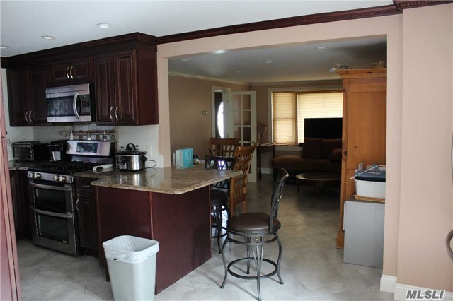 5 Bed 2 Bath Radiant Heated Floors All Brand New With Lot Of Updates Lots Of Living Space Good For A Large Family !!
