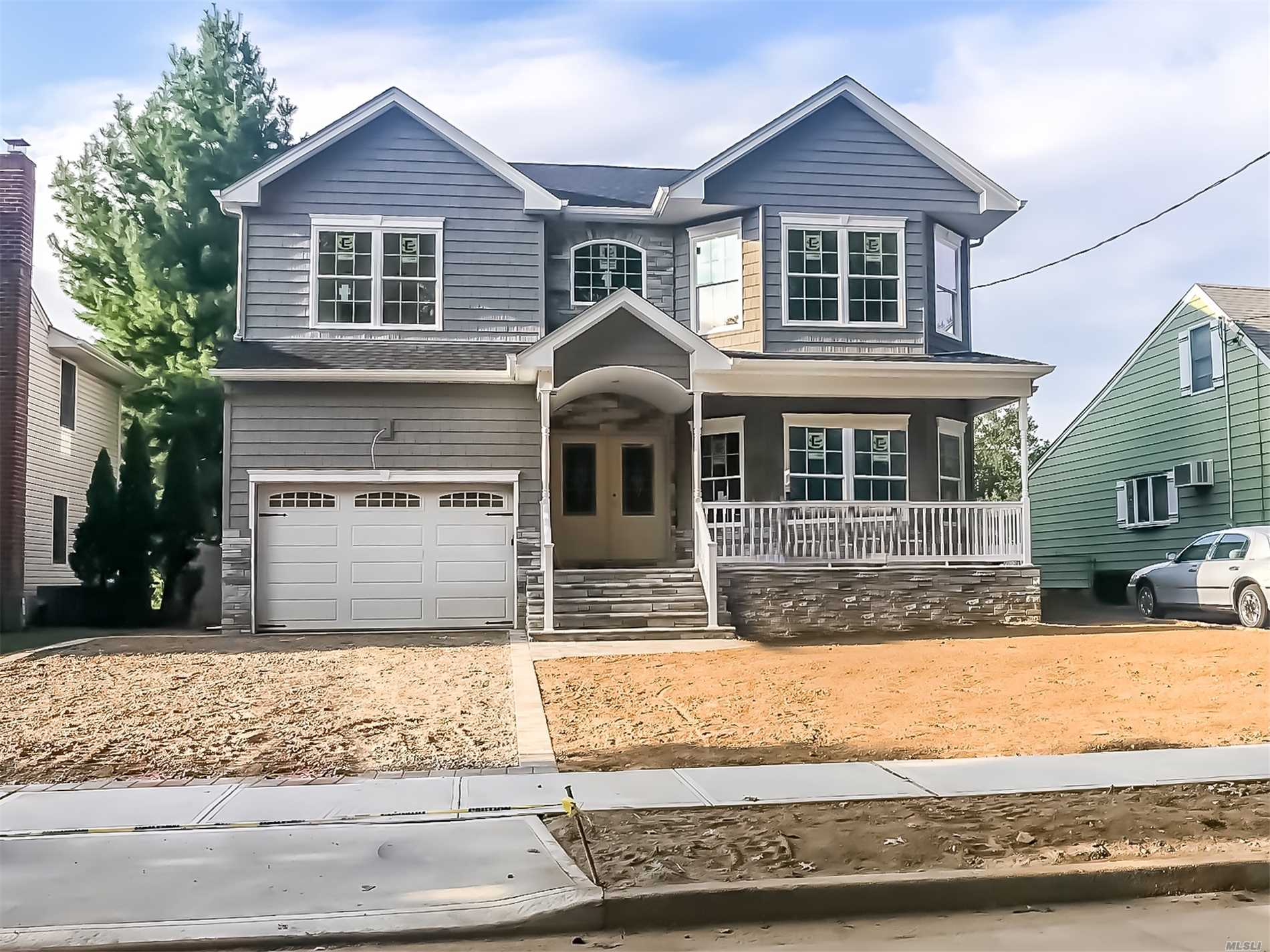 Brand New Custom Colonial To Be Built In Desirable Wantagh Woods.Approx 3500 Sq Ft With Open Floor Plan Expertly Designed & Finished With The Utmost Quality Craftsmanship.Designer Kit & Baths. Ss Appl, Trim Work Throughout.1st Flr Lvrm, Fdr, Eik, Fmrm W/Fplc, 2nd Flr, Master Ste, 3 Add'l Br's, Fbth, Laundry Rm. Photos Are Of A Similar Model Home Showing Contractors Craftsmanship.