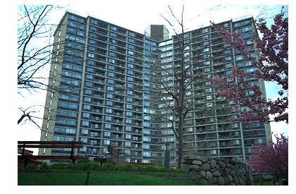 Beautiful custom renovated apartment.  Cherry wood kitchen cabinets with granite countertops, Ss Appliances, designer marble bathrooms, hardwood floors, move in conditions.  Sundrenched Unit.  Health club, pool, tennis cts, stores, gated, restaurant, exp bus, all major highways, bay terr. shopping center and much, much more.  Listing Broker: Century 21 Bay Benjamin / Selling Broker:  Agranoff Real Estate