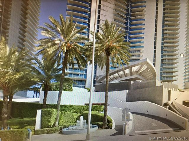 Luxury Oceanfront Building. 4 Bdrms 4.5 Baths. Marble Floor, Gym, Pool, Spa, Beach Service And Pool Service. 24 Hours Security And Valet. Beautiful View Of The Ocean And Intracoastal.