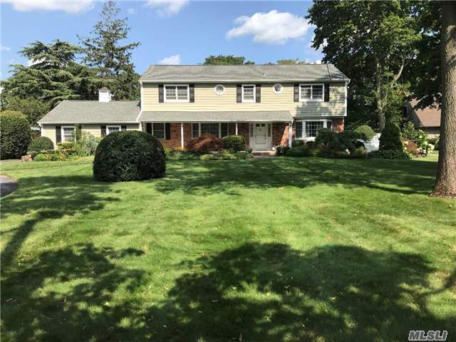Custom Home ! Prime Location On 0.67 Acrea. 6 Br. 4 Baths Colonial With Oak Hardwood Floors -Cac, 2 Skylights, Stone Fireplace, Updated Roof And Siding Plus Much More. Park-Like Grounds. Close To Bay