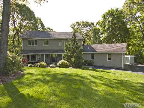 Totally Renovated With Quality Upgrades. Eik Is Expanded With Granite, Ss And Beautirul Center Island W/Custom Cabinets. Baths Are Stunning With Marble. Hardwood Floors, Cac, Too Much To List.