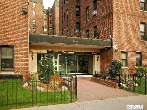 Beautiful Upper Level One Bedroom In Briarwood!  Spacious Rooms,  Perfect Location.  Near 'F' Train (Via Van Wyck),  Major Pkwys,  Courts,  Airports.  Express Bus To Manhattan,  St. Johns University!  Enjoy Queens Blvd & Main St. Shops And Restaurants! Private Parking!  Maintenance Inc Taxes And Heat. A Must See!