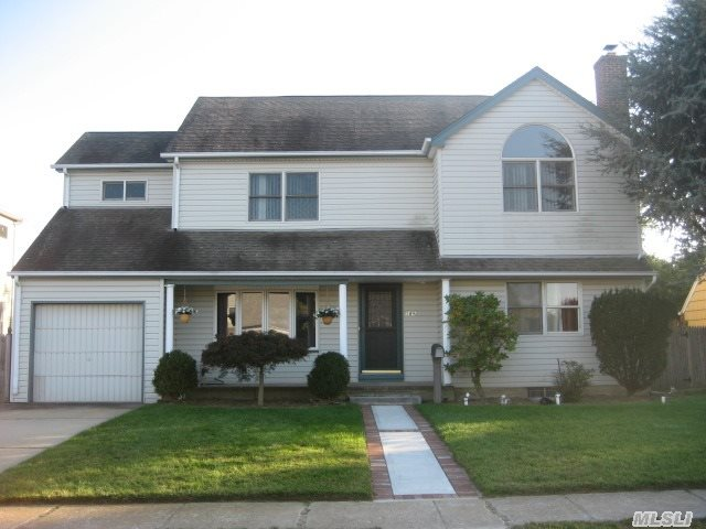 4-5 Bedroom 3 Full Bath Colonial In The Heart Of The Dogwood Area. X-Lg Eik W/ 2 Islands. 4 Bedrooms Upstairs,  Fbth W/ Jacuzzi And Skylights,  Large And Sunny Master Br. 9 Year Boiler,  200 Amp Service,  Cac On 2nd Floor Only. 29, 000 Btu A/C On Main Floor. Large Fenced Yard. Taxes After Star.