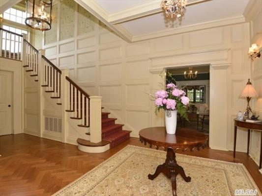 Stunning Foyer With 5 Ft Wide Staircase