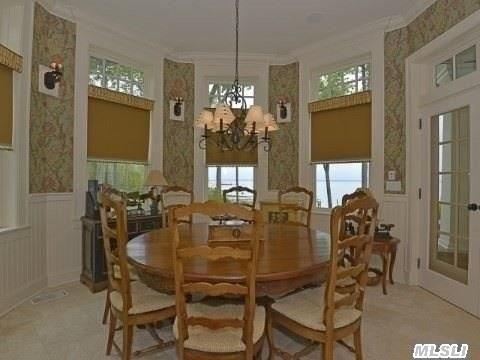 Sun-Filled Breakfast Room