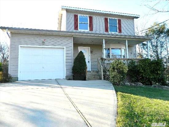 Lovely 3 Bedroom 3.5 Bath Colonial Style Home. Features Full Finished Basement W/Separate Entrance. Large Country Style Eat In Kitchen,  Formal Dining Room,  & More! Sure To Sell Fast!