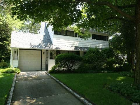 Expanded Ranch, Corner Property, 100X100 Property, New Roof, Boiler 10Yrs Old, East Meadow Sd, Mint Condition.
