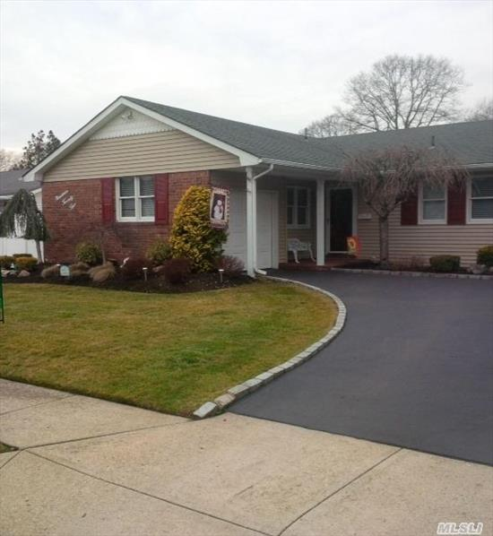 Woodlea Estates,  Mint L-Shaped Ranch,  Inground Pool,  Family Room W/Fpl,  Anderson Windows,  Finished Basement,  Kit W/Granite.