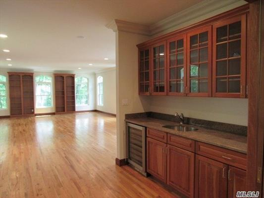 Expansive Butlers Pantry