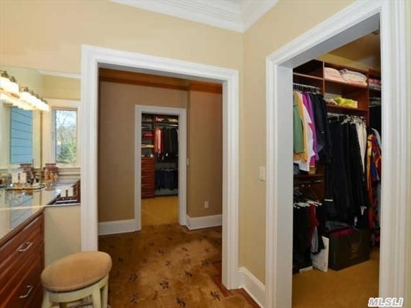2 Walk-in Closets in Master