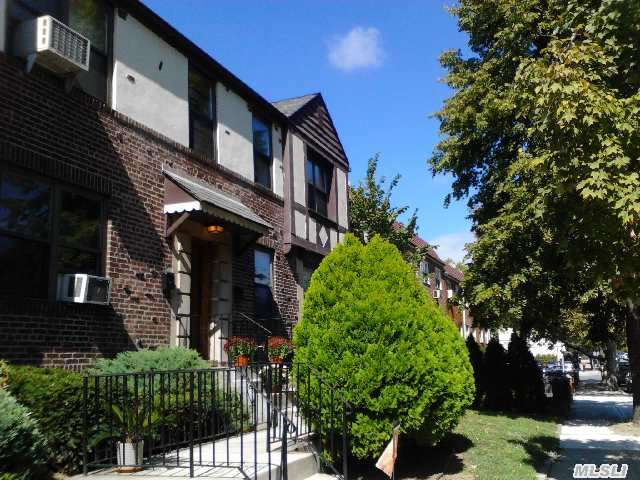 2 Bedroom Condo In E. Elmhurst Border Astoria With Eat In Kitchen, Bathroom, Living Room. Hardwood Floors With Storage In Basement.