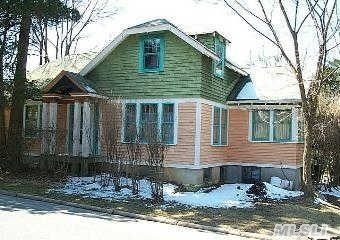 Wanna Be Bob Villa?  This Old House Is The Perfect Start!  1910 Craftsman Bungalow In Top Location.  Just Bring Your Thoughts And Dreams.
